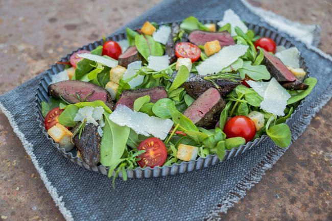 Frischlingsleber mit Salat