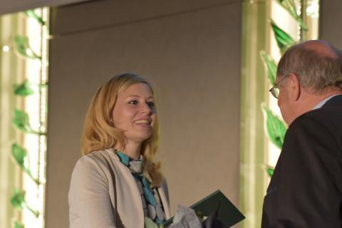 Fernseh-Journalistin Christine Seidemann (NDR) erhält den Journalistenpreis Wildtier und Umwelt auf dem Bundesjägertag in Berlin 2019