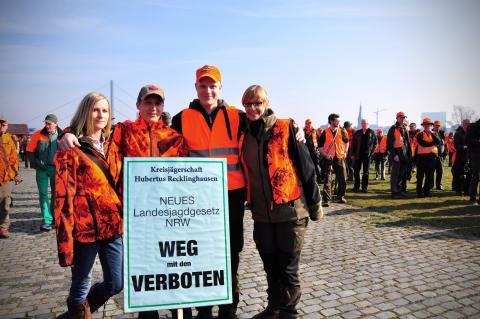 Auch die Kreisjägerschaft Hubertus Recklinghausen demonstrierte am 18. März  gegen das neue Landesjagdgesetz.