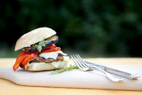 WM-Burger in schwarz-rot-gold