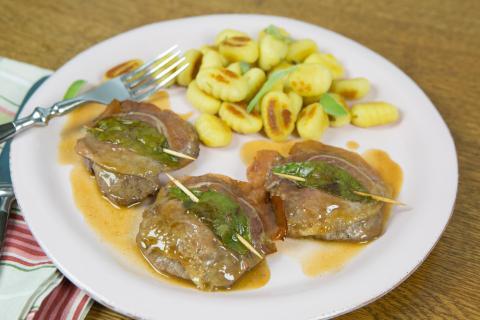Saltimbocca vom Wildschwein an Gnocchi