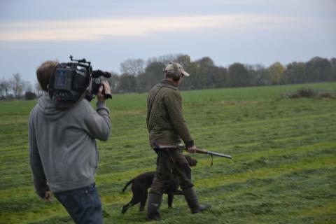 Jäger vor der Kamera