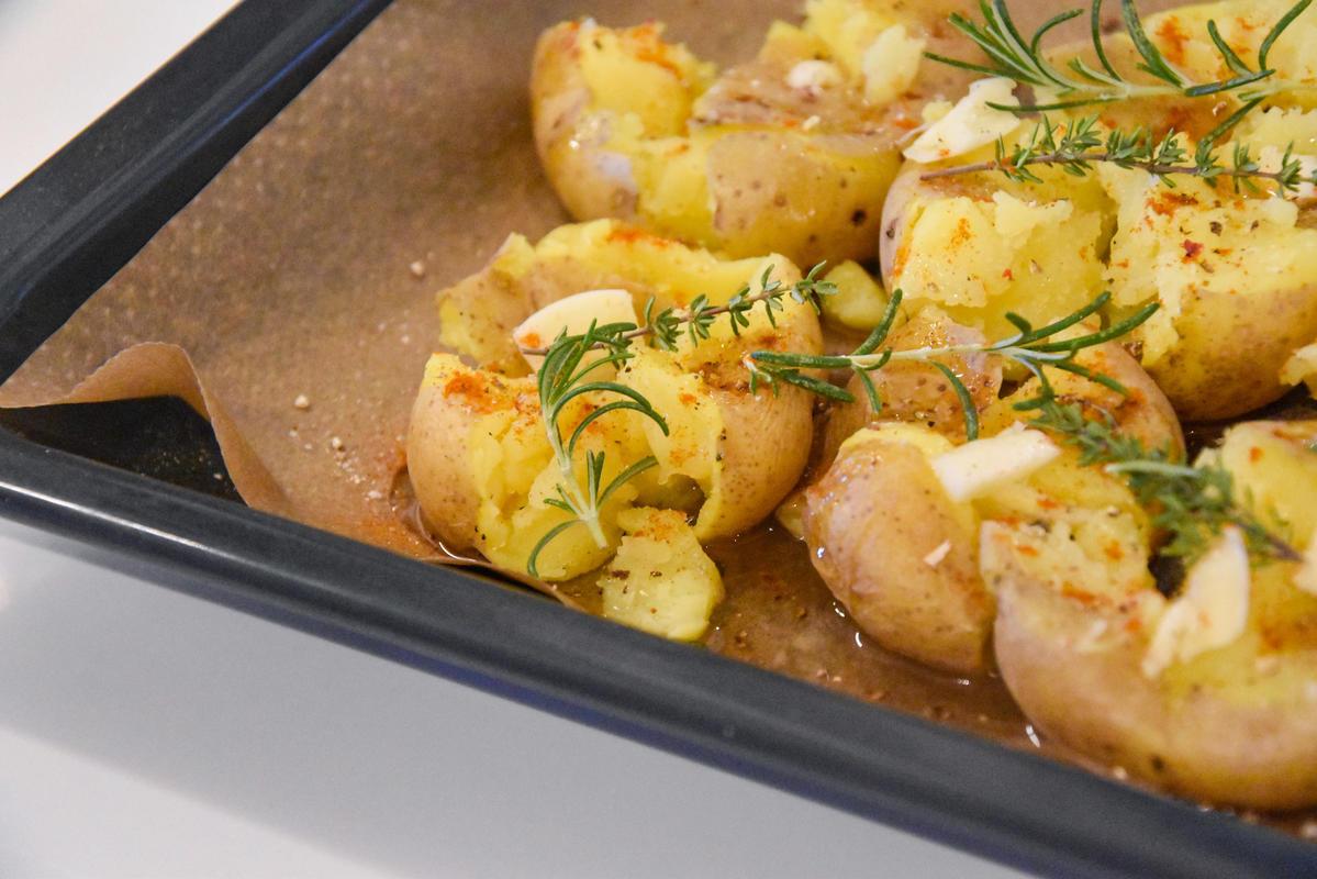 Kartoffeln kochen, grob zerdrücken, würzen und backen.  (Quelle: Kapuhs/DJV)