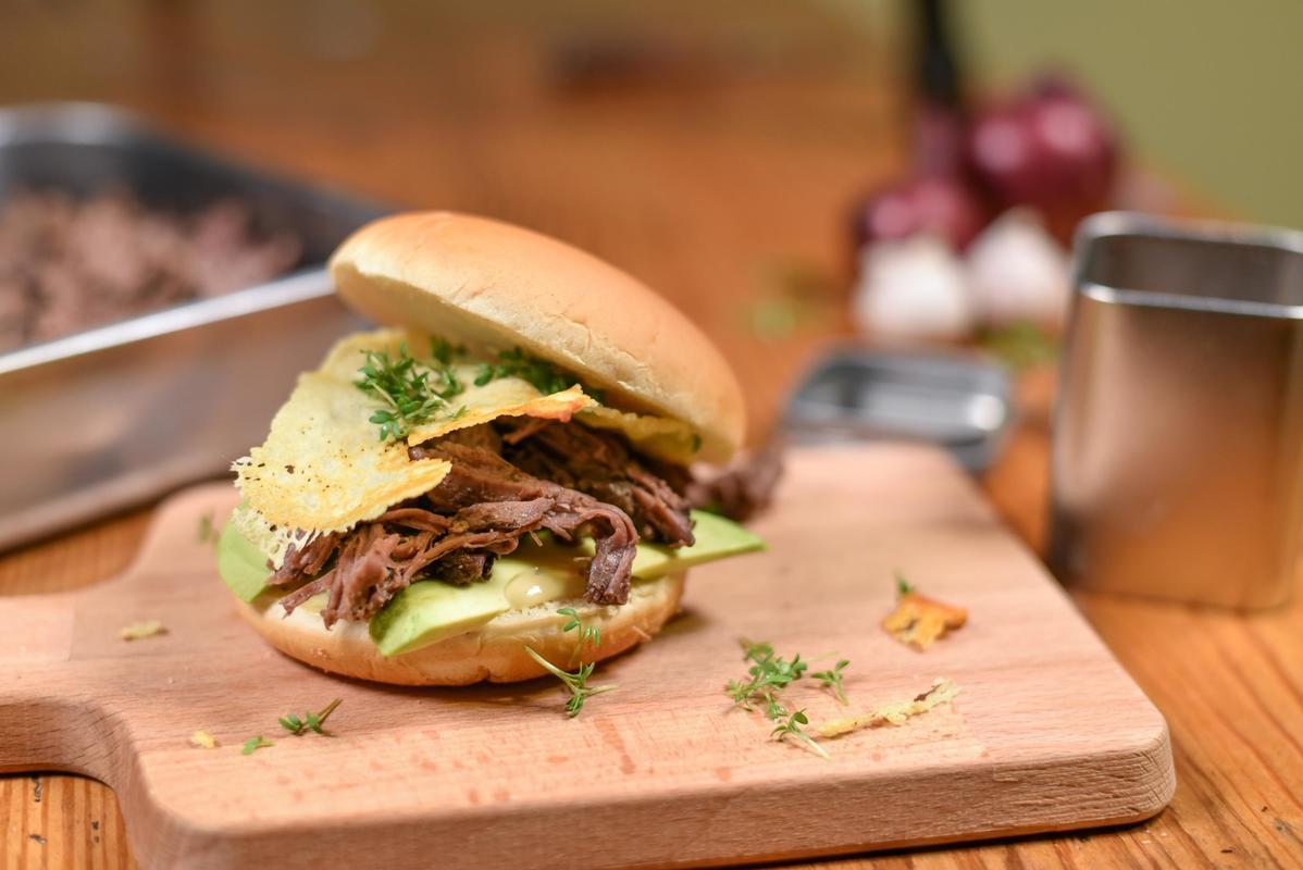 Fertig Pulled Pork Gasgrill : Pulled pork burger vom wildschwein nacken wild auf wild